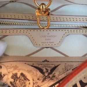 Louis Vuitton Bags - Louis Vuitton Trunk Summer  Capri  Neverfull MM a1f2748d96320